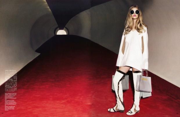 Vogue-Japan-December-2014-Frida-Stina-12dbl