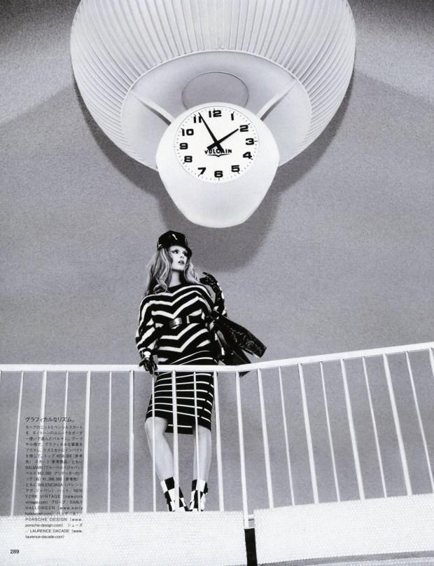 Vogue-Japan-December-2014-Frida-Stina-4