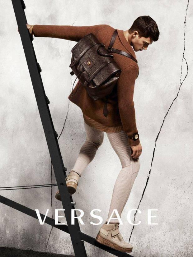 Versace-Fall-Winter-2015-Campaign-Alessio-Pozzi
